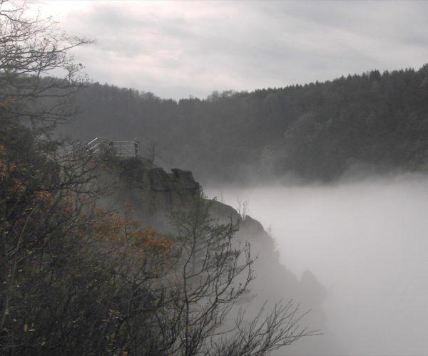 Aussichtspunkt im Nebel